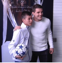 Johan, the 'Angel boy' who guided rescue teams to the Chapecoense plane crash, met his idols at RMCity thebeautifulgame ⚽️❤️ Credits:@realmadrid🎥: a11  VA  l)丿III. Johan, the 'Angel boy' who guided rescue teams to the Chapecoense plane crash, met his idols at RMCity thebeautifulgame ⚽️❤️ Credits:@realmadrid🎥