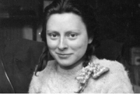 a5xc: bundyspooks: A picture of Freddie Oversteegen, a Dutch girl who was the unsuspecting killer of dozens of Nazis. Along with her friend Hannie and her sister Truus, the girls worked with a team from the Dutch Resistance to lure men into the woods for a promised kiss. Once they reached a remote location, the men got a bullet to the head instead. Freddie passed away today on the 5th of September 2018, one day before her 93rd birthday. : a5xc: bundyspooks: A picture of Freddie Oversteegen, a Dutch girl who was the unsuspecting killer of dozens of Nazis. Along with her friend Hannie and her sister Truus, the girls worked with a team from the Dutch Resistance to lure men into the woods for a promised kiss. Once they reached a remote location, the men got a bullet to the head instead. Freddie passed away today on the 5th of September 2018, one day before her 93rd birthday.
