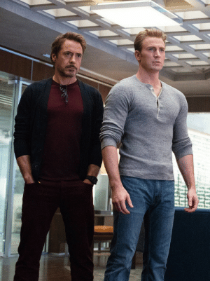 a7estrellas:Tony Stark (Robert Downey Jr.) and Steve Rogers (Chris Evans) in Avengers: Endgame: a7estrellas:Tony Stark (Robert Downey Jr.) and Steve Rogers (Chris Evans) in Avengers: Endgame