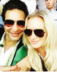 Boxing, Memes, and Match: AALIA  Avid to als Mr. and Mrs. Wasim Akram enjoy the boxing day test match together