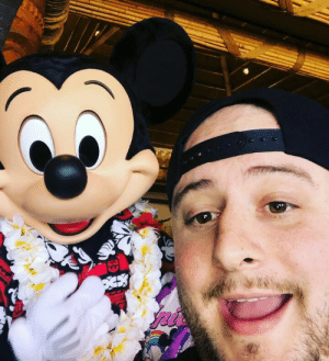 After 28 years I finally made it to Disney Land! Got this pic of Mickey right before hitching a ride on space mountain!: After 28 years I finally made it to Disney Land! Got this pic of Mickey right before hitching a ride on space mountain!