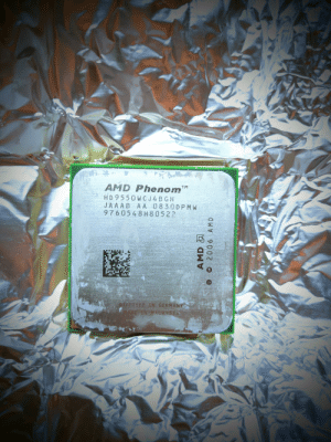 How infamous (if at all) was this CPU anyway? Phenom X4 9550: AMD Phenom™  HD 9550WC J4BGH  JAAAB AA 0830DPM W  9760548H80522  DDFUSED IN GERMANY  DE IN MAEATSJA  AMD A  © 2006 AMD How infamous (if at all) was this CPU anyway? Phenom X4 9550