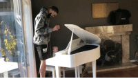 Memes, Wshh, and 🤖: ANCY JaValeMcGee spending sometime with his little lady on the keys! 🙏👶🎹 @JaValeMcGee FamilyFirst WSHH