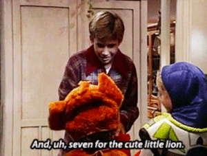Candy, Cute, and Dad: And,uh, seven for the cute little lion granite-state: atrafeathers:  pixiedust-paycheck:  OH MY GOD IT TOOK ME LIKE A FULL MINUTE AND LAUGHED SO HARD WHOOAAAAaaa  #i dON'T GET IT the one handing out the candy is Jonathan Taylor Thomas, the voice of Simba in The Lion King. His dad in the show is Tim Allen, the voice of Buzz Lightyear.  OH MY GOD I WATCHED THIS SHOW LIKE 10 YEARS AGO AND NOW I GET IT
