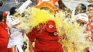 Andy Reid has worked many years... I think he deserves this. Not a Chiefs fan but still: Andy Reid has worked many years... I think he deserves this. Not a Chiefs fan but still