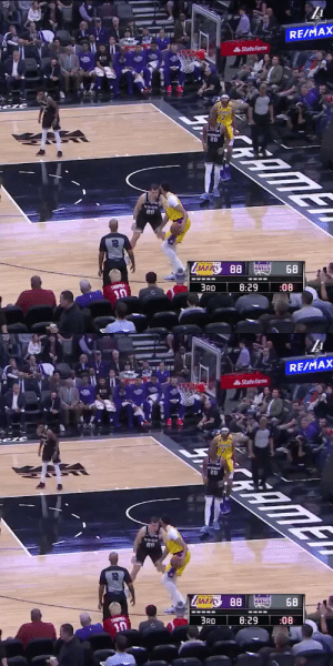 Anthony Davis knocking down fadeaway jumpers vs the Kings!   https://t.co/c367iDG91Y: Anthony Davis knocking down fadeaway jumpers vs the Kings!   https://t.co/c367iDG91Y