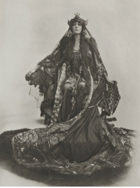 Tumblr, Blog, and Http: antique-royals:   Violet Vanbrugh as Lady Macbeth