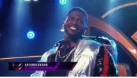Of course Antonio Brown was the 1st Masked Singer  https://t.co/puBWaI8bww: ANTONIO BROWN Of course Antonio Brown was the 1st Masked Singer  https://t.co/puBWaI8bww
