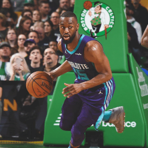 "Kemba Walker ""plans to commit"" to four-year, $141M max deal with Celtics at beginning of free agency, per Shams Charania: arardea  SPALD  ce  BOSTON  BILTICS Kemba Walker ""plans to commit"" to four-year, $141M max deal with Celtics at beginning of free agency, per Shams Charania"