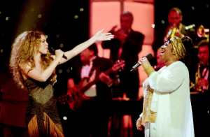 Tumblr, Blog, and Live: arethalouisefranklin-blog:Aretha  Mariah performing Chain of Fools on Divas Live, 1998