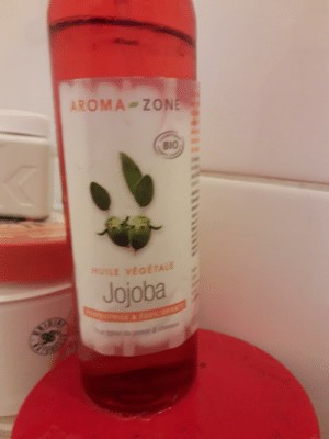 Anime, Love, and Bio: AROMA ZONE  BIO  HUILE VEGÉTALE  Jojoba  ECTRICE &EUIIANTE  &c When you love jojo's so you decide to wash with it