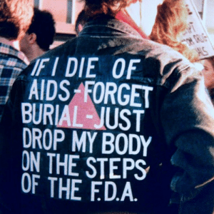 c86: David Wojnarowicz at ACT UP's FDA Action protest, 11 October 1988   Photography by Bill Dobbs : AS  FI DIE OF  AIDS FORGET  BURIAL-JUST  DROP MY BODY  ON THE STEPS  OF THE FD.A c86: David Wojnarowicz at ACT UP's FDA Action protest, 11 October 1988   Photography by Bill Dobbs