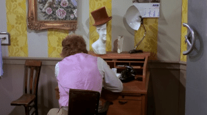 """At the end of """"Willy Wonka and the Chocolate Factory"""" (1971), everything in Wonka's office is cut in half, in a book, Mel Stuart, the director of the movie, explains that it was because he didn't want to end the movie in an ordinary office, after having gone through the creative rooms in the factory: At the end of """"Willy Wonka and the Chocolate Factory"""" (1971), everything in Wonka's office is cut in half, in a book, Mel Stuart, the director of the movie, explains that it was because he didn't want to end the movie in an ordinary office, after having gone through the creative rooms in the factory"""