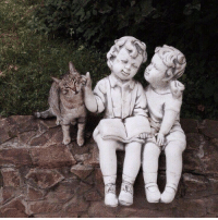 Cute, Target, and Tumblr: awwww-cute:  The sculpture and the cat (Source: http://ift.tt/2oIoEuB)