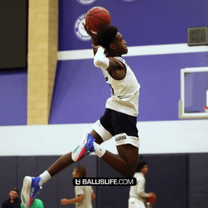 Zaire Wade's bounce is starting to look scary.. Head was near the rim on that first one. https://t.co/AknMP3NhTw: AZERS  BALLISLIFE.COM  Wnde Zaire Wade's bounce is starting to look scary.. Head was near the rim on that first one. https://t.co/AknMP3NhTw