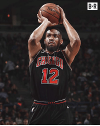 Bulls and Jabari Parker agree to 2-year/$40M deal after Bucks rescind qualifying offer, per Adrian Wojnarowski: B R  OAN  HIGAG  12 Bulls and Jabari Parker agree to 2-year/$40M deal after Bucks rescind qualifying offer, per Adrian Wojnarowski