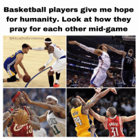 So heartwarming, always letting Christ shine through😇: Basketball players give me hope  for humanity. Look at how they  pray for each other mid-game  lit catholicme mes  RATNER So heartwarming, always letting Christ shine through😇