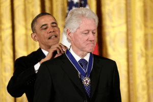 Bill Clinton, Incognito, and Clinton: Bill Clinton receiving an award for inventing Incognito mode (2008)