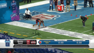 .@HailStateFB DL Montez Sweat just ran a 4.42u! 🔥🔥🔥  An #NFLCombine record for DL if official (since '03). @_sweat9  📺: @nflnetwork https://t.co/zR5G1M2RyR: BINE  DASH  COMBINE  NF  Montez DL  Sweat 51  COMBINE  10-YD SPLIT  4O-YD DASH  UNOFFICIAL  TIMES  0.00  0.00  verizon  Chase Winovich  Oshane Ximines .@HailStateFB DL Montez Sweat just ran a 4.42u! 🔥🔥🔥  An #NFLCombine record for DL if official (since '03). @_sweat9  📺: @nflnetwork https://t.co/zR5G1M2RyR
