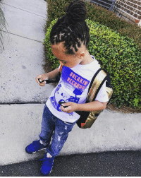 Girls, Growing Up, and Hit 'Em: BREAKIN Kyng 1st Day Of Kindergarten Stuntin Like His Daddy Ha 💡+📚=💰💯  S-o @LilSprayGround for the bag! ----------------------- I FaceTime'd my G into class & told em don't let them teachers touch your hair & ask you if it's real. Tell them girls get back you here for school only, jokes during recess only. Don't let nobody touch you, if they do hit em back & tell everybody daddy coming period. & Most Importantly be the Smartest Kid In The Classroom period. MY LIL G GROWING UP ON ME !