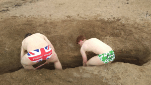 British and Irish soldiers work side by side to dig trenches in preparation for an offensive. (Circa 1915, colourised): budgy smuggle British and Irish soldiers work side by side to dig trenches in preparation for an offensive. (Circa 1915, colourised)