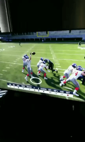 Only Eli could throw an interception to a guy with one hand making a one-handed catch... https://t.co/wfymNuhGvz: CAMERA OP-0OP HIDE  MOVE OTATE  EXIT Only Eli could throw an interception to a guy with one hand making a one-handed catch... https://t.co/wfymNuhGvz