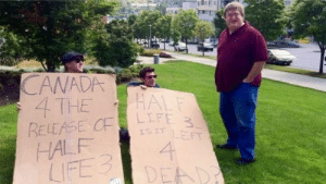 7 years ago, 2 gamers protested outside Valve HQ, they later got invited for a full studio tour!: CANADA  4 THE  RELEASE CF  HALF  LIFE 3  HALF  LIFE 3  ISIT LEFT  4  DEAD 7 years ago, 2 gamers protested outside Valve HQ, they later got invited for a full studio tour!
