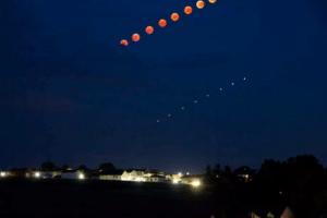 Mars, Moon, and Thought: Captured a timelapse of the moon and the mars yesterday. Thought you may like it
