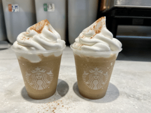 Chai frap with one pump of cinnamon dolce ❤️ topped with cinnamon :): Chai frap with one pump of cinnamon dolce ❤️ topped with cinnamon :)