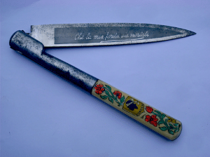 "toucherdesyeux:  Corsican vendetta knife with floral detail  che la mia ferita sia mortale""may my wound be deadly"" : Che la mia feritusa morias  COR toucherdesyeux:  Corsican vendetta knife with floral detail  che la mia ferita sia mortale""may my wound be deadly"""