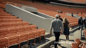 Baker Mayfield saying his goodbyes to all the fans leaving the Browns bandwagon... https://t.co/DAuV9ss73A: CLEVELAND, OH 4:25pm Baker Mayfield saying his goodbyes to all the fans leaving the Browns bandwagon... https://t.co/DAuV9ss73A