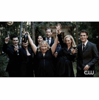 Memes, 🤖, and Tvd: CLU [Season 8 Photoshoot Behind The Scenes | 2-2] They all look so happy I'm crying 😭 Thank you so much @iansomerhalder @paulvedere @katgraham @craccola @mkmalarkey @zach_roerig @ernestoriley (and not to forget @ninadobrev) for 8 years of TVD ❤ ⠀ Youtube: The CW [ tvd thevampirediaries vampirediaries tvdforever]