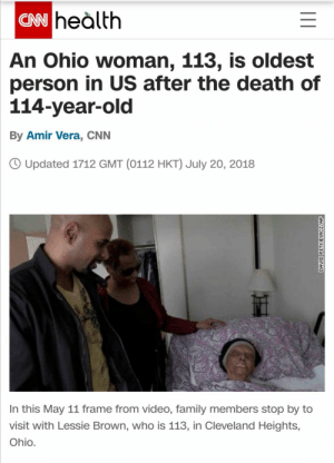Let's get this lady on the sub: CN heàlth  An Ohio woman, 113, is oldest  person in US after the death of  114-year-old  By Amir Vera, CNN  O Updated 1712 GMT (0112 HKT) July 20, 2018  In this May 11 frame from video, family members stop by to  visit with Lessie Brown, who is 113, in Cleveland Heights,  Ohio.  DAVID PETKIEWICZ/AP Let's get this lady on the sub