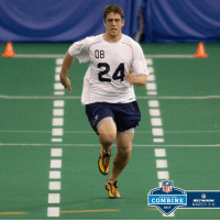 .@AaronRodgers12 running a 4.71 40-yard dash at the 2005 NFLCombine!: COMBINE  2017  NFL  NETWORK  MARCH 3-6 .@AaronRodgers12 running a 4.71 40-yard dash at the 2005 NFLCombine!