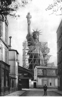 bastion-official:  historium: Statue of Liberty in France prior to being disassembled and shipped to NYC, 1886 : COMPH SUC  tatue  de of tiberty in Paris 18 bastion-official:  historium: Statue of Liberty in France prior to being disassembled and shipped to NYC, 1886