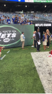 Countdown, Memes, and Kids: COUNTDOWN TO K  28  METLIFE STADIUM .@OBJ_3 for the kids! 😁  #NYGvsNYJ https://t.co/ndHmBsUgYo