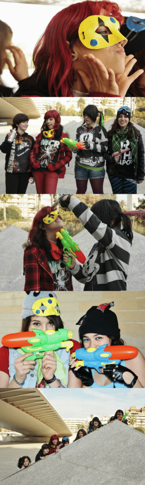 killjoyhistory:  MCRmyMembers of My Chemical Romance Spain gather in Valencia for a Killjoy-themed photoshoot (12/17/2011). Photographer unknown.Source: 1: CR  H  KAPO killjoyhistory:  MCRmyMembers of My Chemical Romance Spain gather in Valencia for a Killjoy-themed photoshoot (12/17/2011). Photographer unknown.Source: 1