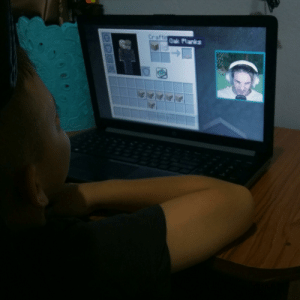Minecraft, Costa Rica, and English: Craftingak Planks My 7 year old nephew who doesn't even speak english (we're from Costa Rica) just discovered Pewds and his Minecraft series and he loves it