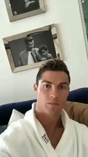 Cristiano Ronaldo, Memes, and Twitter: Cristiano Ronaldo fans reading their twitter timeline  https://t.co/EKAwpH8n63