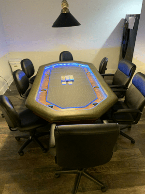 Custom poker table my friend made for me: Custom poker table my friend made for me