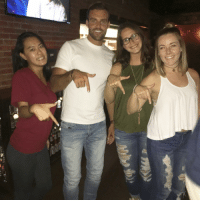 Robby from The Bachelorette throwing what he knows.: D  ell  iec Robby from The Bachelorette throwing what he knows.