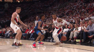 Dame's already got 32 PTS midway through the 2nd Q: Dame's already got 32 PTS midway through the 2nd Q