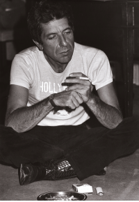 daughterhood:  kafkasapartment:Leonard Cohen, 1979. Tony Grylla. Gelatin silver print   I thought this was Adam Sandler   I thought it was Anthony Bourdain : daughterhood:  kafkasapartment:Leonard Cohen, 1979. Tony Grylla. Gelatin silver print   I thought this was Adam Sandler   I thought it was Anthony Bourdain
