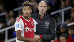 "David Neres: ""Erik ten Hag (Ajax's mananger) once complained about my hair, I told him to take care of his own hair, and I will take care of mine. He put me on the bench for the next two games."" 😂🤣 https://t.co/L5OXck8g1I: David Neres: ""Erik ten Hag (Ajax's mananger) once complained about my hair, I told him to take care of his own hair, and I will take care of mine. He put me on the bench for the next two games."" 😂🤣 https://t.co/L5OXck8g1I"