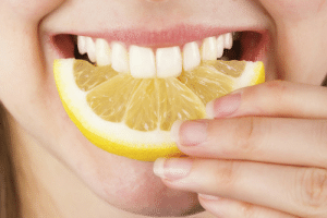 Juice, News, and Soda: dentagama1:  Whitening your teeth with baking soda and lemons is extremely dangerous. http://dentagama.com/news/125/The-lie-about-baking-soda-and-lemon-juice-teeth-whitening