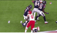 Deshaun Watson was able to switch hands to avoid the sack-fumble and reset his feet to throw a 49 yard TD 🤯  https://t.co/C57Ho0ZDDm: Deshaun Watson was able to switch hands to avoid the sack-fumble and reset his feet to throw a 49 yard TD 🤯  https://t.co/C57Ho0ZDDm