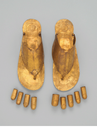 desimonewayland:  Gold Sandals and Toe Stalls by an unknown maker, Thebes, Egypt, c.  1479–1425 BC (New Kingdom, reign of Thutmose III).  METROPOLITAN MUSEUM  OF ART : desimonewayland:  Gold Sandals and Toe Stalls by an unknown maker, Thebes, Egypt, c.  1479–1425 BC (New Kingdom, reign of Thutmose III).  METROPOLITAN MUSEUM  OF ART