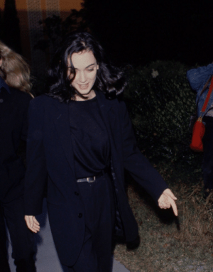 dicaprio-diaries:Winona Ryder, 1991: dicaprio-diaries:Winona Ryder, 1991