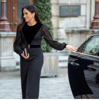 "Click, Memes, and Break: Did Meghan break royal protocol? Click the link in our bio 👆 to find out why the Duchess of Sussex closing her own car door has got people talking. She was attending her first solo event as a royal, and some praised her ""down to earth"" and ""humble"" attitude, while others joked she may put someone out of a job. Meghan royalfamily duchessofsussex bbcnews"