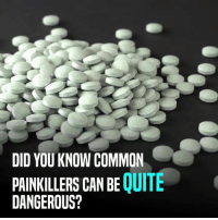 Memes, 🤖, and Painkiller: DID YOU KNOW COMMON  PAINKILLERS CAN BE  QUITE  DANGEROUS? Don't self medicate. Consult a doctor. #stayhealthy #painkillers